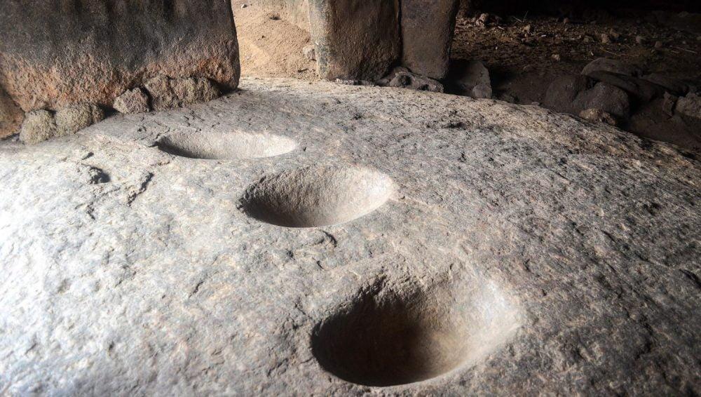 climb-olumo-rock-nigeria